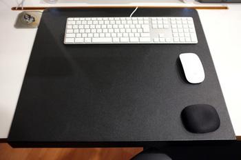 Desk05.jpg
